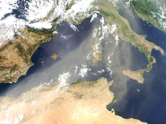 Poussière sur la méditerranée