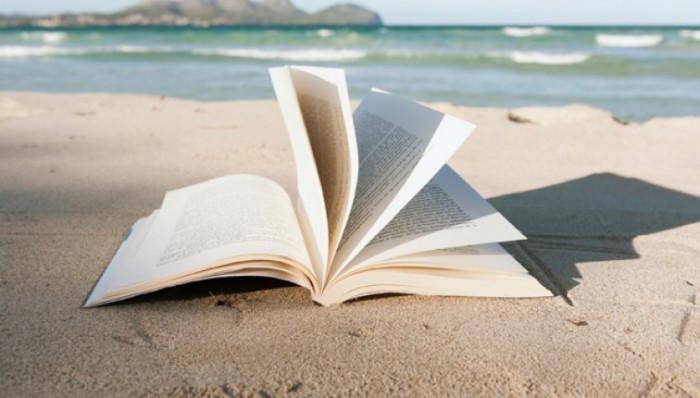 livres-les-meilleurs-bouquins-a-lire-sur-la-plage-757-430